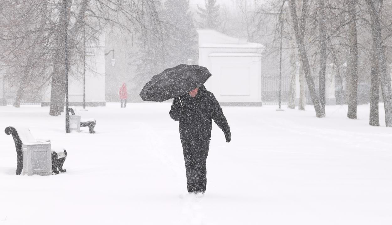 26 megyére érvényes sárga riasztást adtak ki a havazás és erős szél miatt