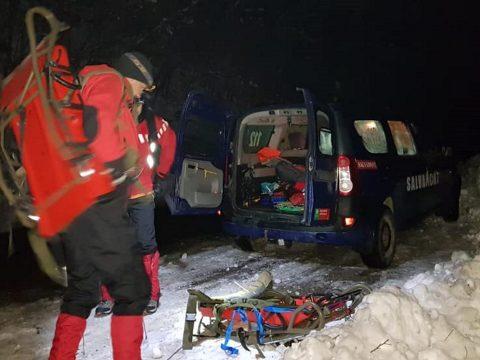 Egy személy meghalt, kettő megsérült, miután elsodorta őket egy lavina a Kelemen-havasokban
