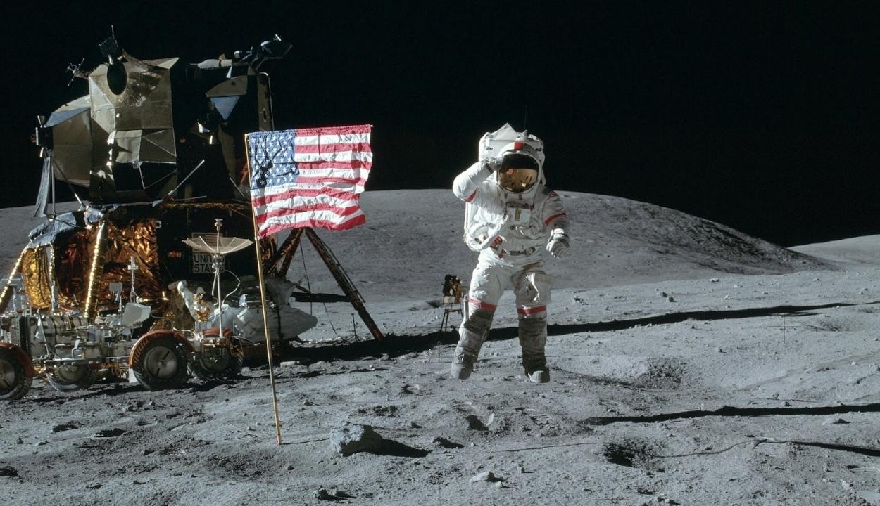 Csak női asztronautákat küldene a NASA a Holdra