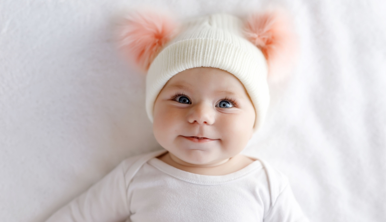 Már hat hónaposan empátia jeleit mutatják a csecsemők