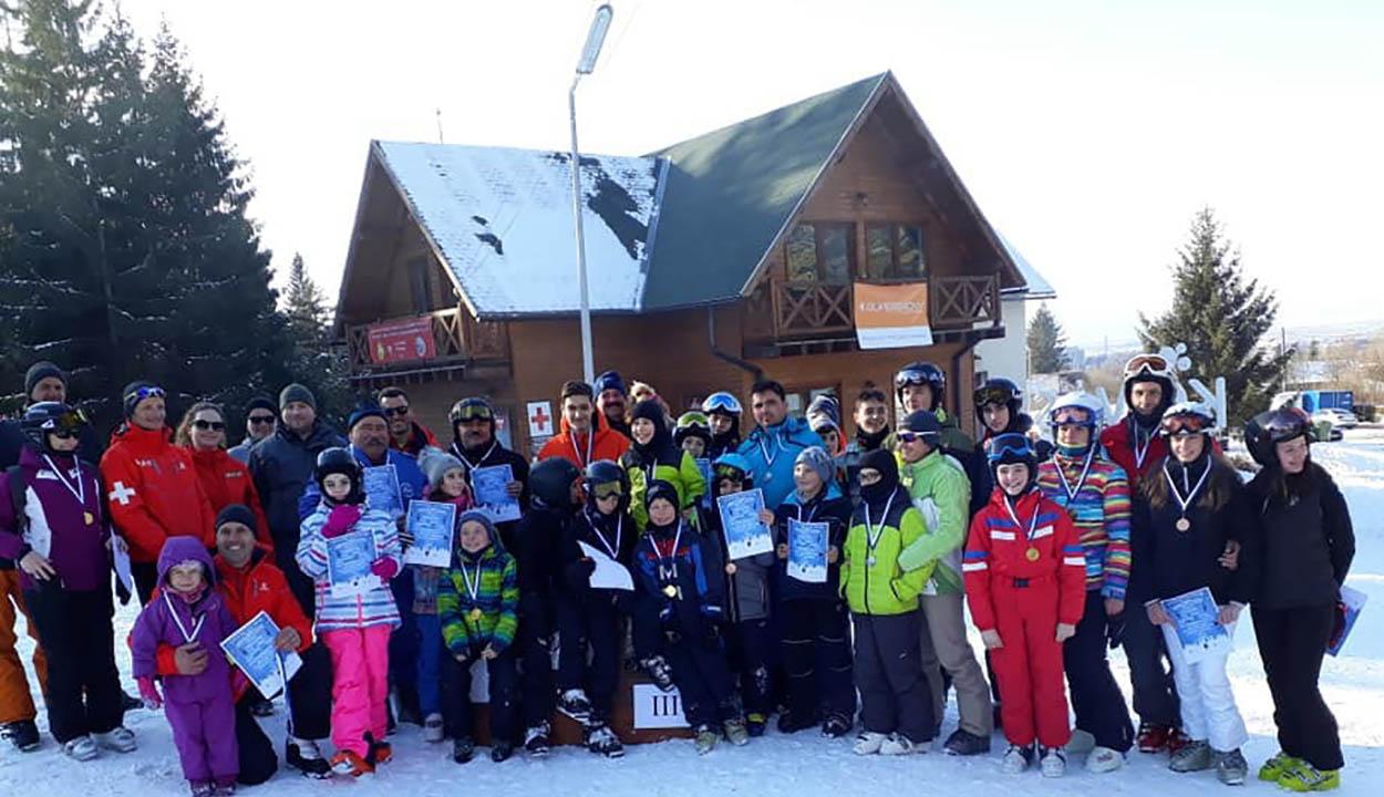 Téli sportok szerelmesei versenyeztek