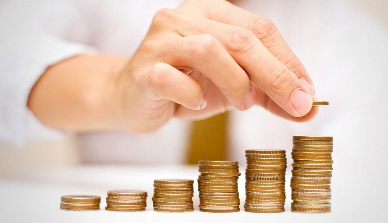 """Elüldözi a magánnyugdíj-alapokat Romániából a kormány """"kapzsisági"""" rendelete"""