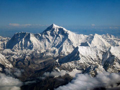 Újra megmérik a Mount Everest magasságát, mert lehet, hogy nem is akkora, mint hittük