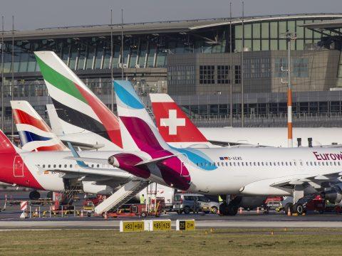 Több légitársaság felfüggesztette a közel-keleti térséget érintő járatait