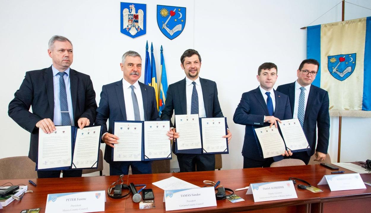 Együttműködési megállapodás szándéknyilatkozatát írták alá a székely megyék és Dél-Tirol elöljárói