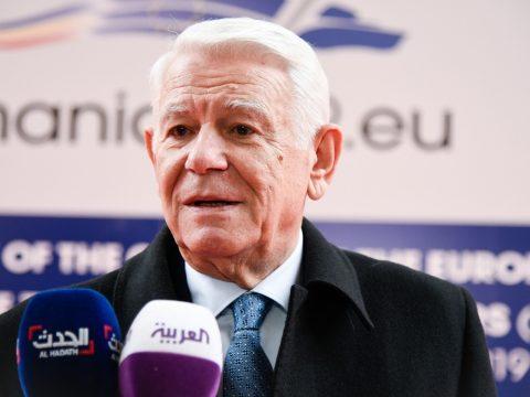 Már több mint 88 ezren aláírták a Meleşcanu menesztését követelő petíciót