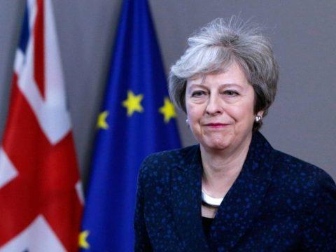 Theresa May: a Brexit az utódomra marad