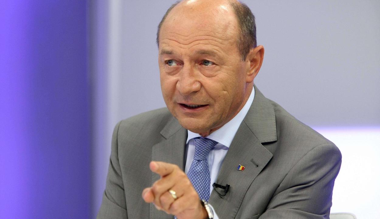 Băsescu: a PMP-nek szövetkeznie kell a PNL-vel és az USR-vel