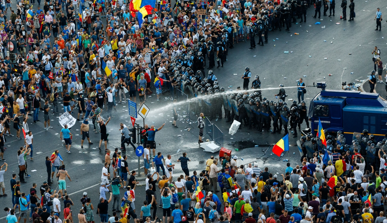 Az Európai Parlament elítélte a békés tüntetőkkel szembeni aránytalan erőszak alkalmazását