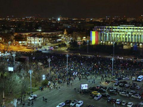 Az igazságügyi törvényeket módosítása ellen tüntettek országszerte
