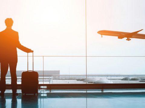 Hátrányosan érintik a romániai kettős állampolgárokat az utazási biztosításokra vonatkozó szabályok