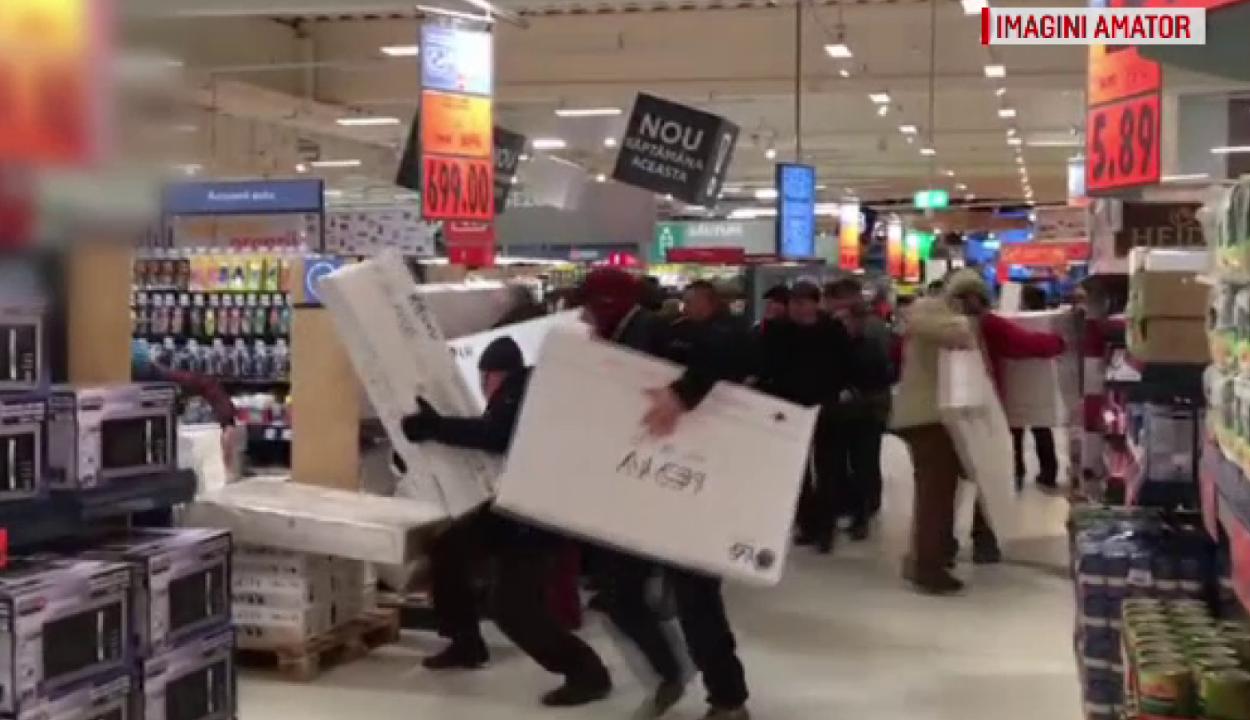 Tévékért verekedtek egy bákói szupermarketben