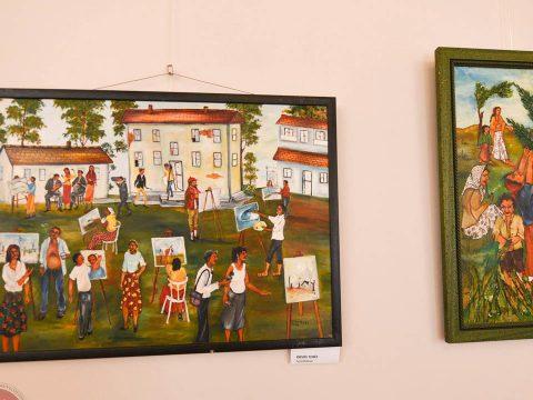 Roma festőművészek alkotásai a Vigadóban