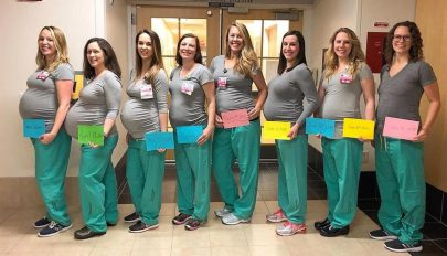 Egy szülészet kilenc nővére várandós egyszerre