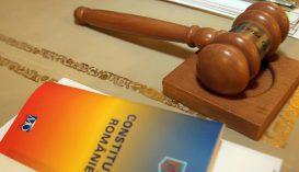 Alkotmányellenesek a polgármesterek mandátumát meghosszabbító jogszabályok