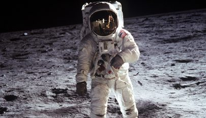 Páratlan felvételeket tartalmazó dokumentumfilm mutatja be az első holdra szállást