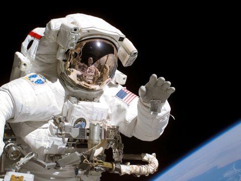 Rendhagyó űrsétára készül a NASA
