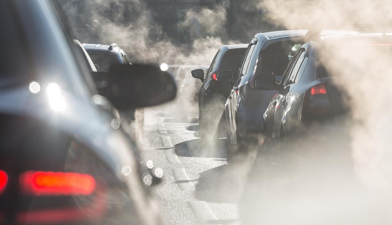 Korlátozzák a környezetszennyező járművek használatát Bukarestben