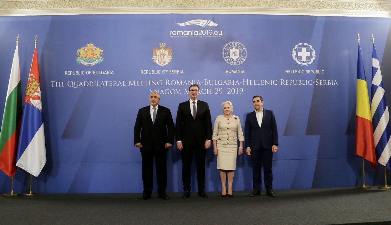 """Az EU bővítését támogató közös nyilatkozatot fogadtak el a """"balkáni négyek"""""""