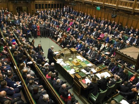 A brit parlament zöld utat adott a brexitnek