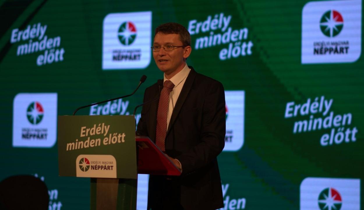 Kitiltatná Magyarországról Dan Tanasăt az EMNP elnöke