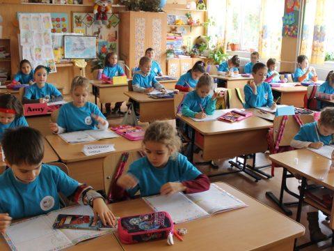 Közvitára bocsátották az előkészítő osztályba történő beiratkozások módszertanát