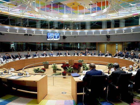 EU-csúcs: bizonyos feltételek mellett újabb halasztást adnak Londonnak