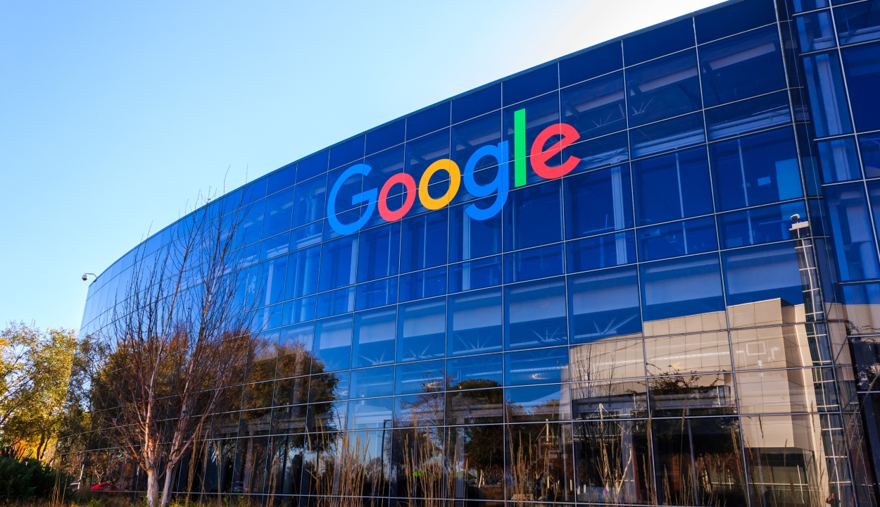 A Google pénzzel támogatja a félretájékoztatás elleni fellépést