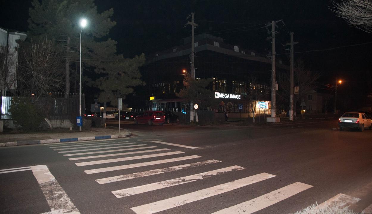 Szenátus: az önkormányzatok kötelesek biztosítani a gyalogosátjárók megfelelő kivilágítását