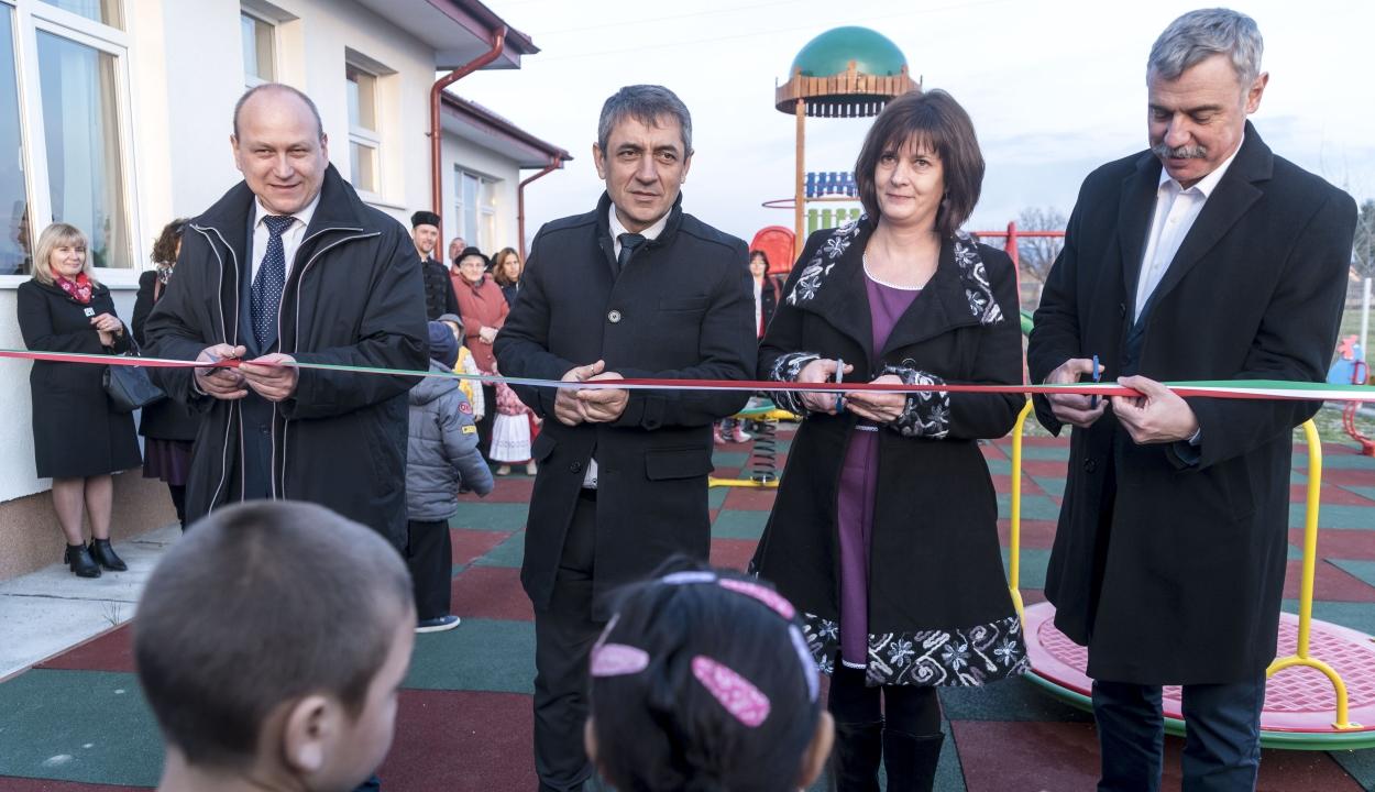 Kökösben átadták a magyar kormány támogatásával üzembe helyezett új óvodát