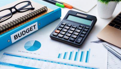 A kormány december 31-ig el akarja fogadni a 2020-as költségvetés törvényt