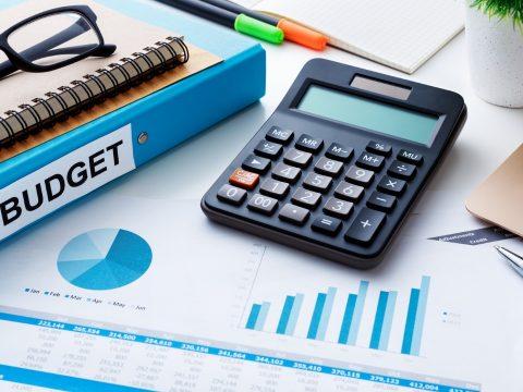 Változatlan formában küldi vissza a parlament a költségvetést az államfőnek