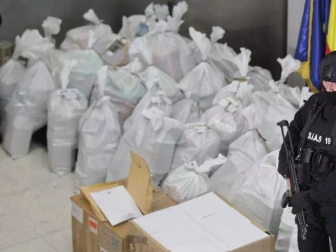 Csaknem egy tonna kokaint foglaltak le a Duna-deltában