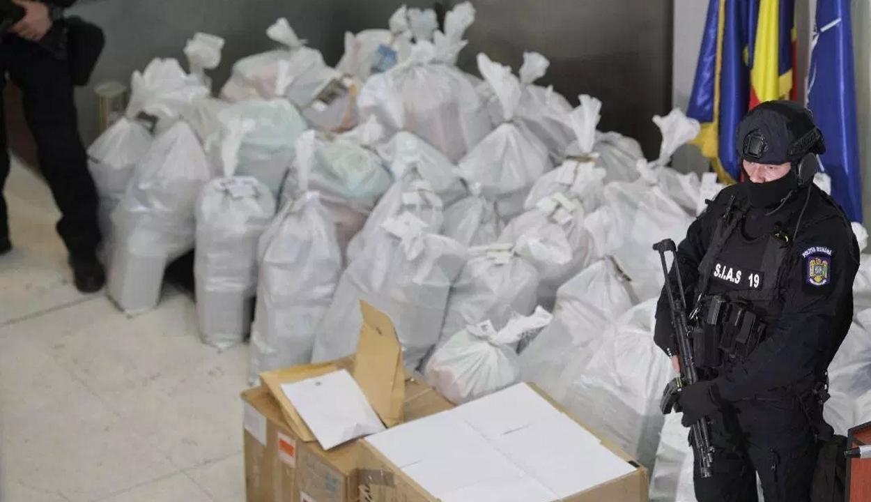 DIICOT: az elmúlt tizenöt évben több mint nyolc tonna kokaint és tizenkét tonna kannabiszt koboztak el