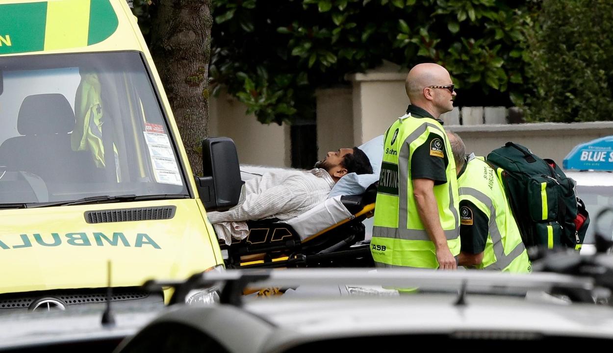 Fegyveres merénylet történt két mecsetnél Új-Zélandon, legkevesebb 49 halott
