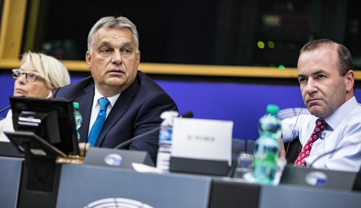 FRISSÍTVE: A Fidesz kilép az Európai Néppárt frakciójából