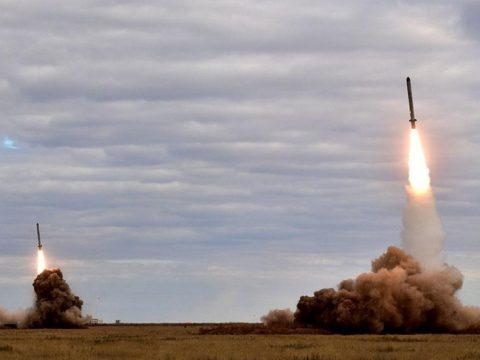 Új rakétarendszert teszteltek Kim Dzsongun felügyelete alatt