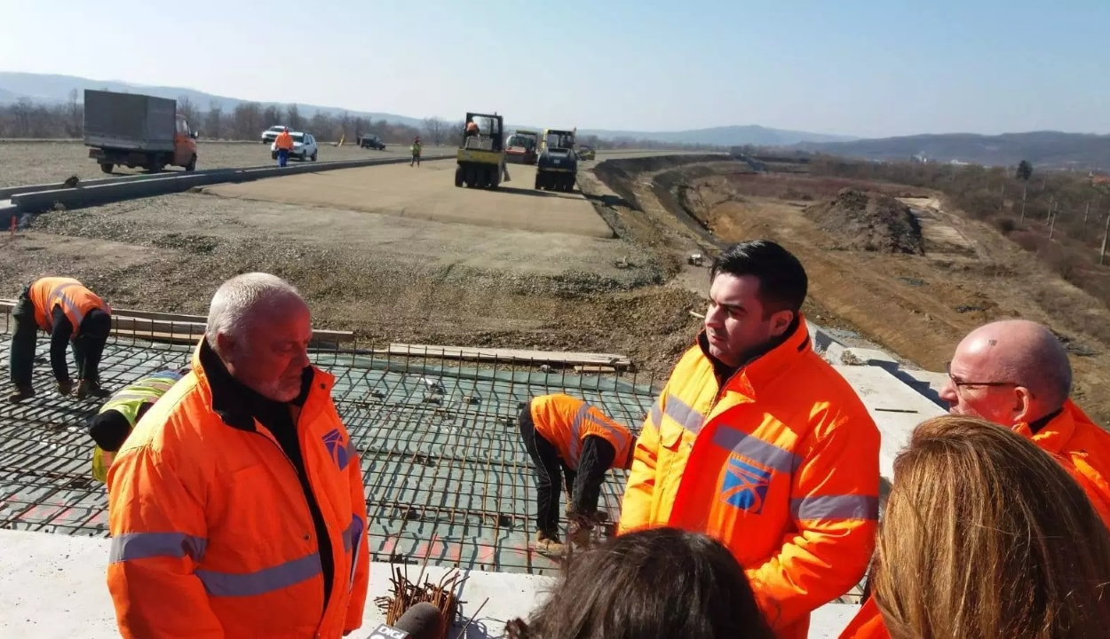 Miniszter: a Bihar – Bors sztrádaszakasz román kivitelezője kifogástalanul dolgozik