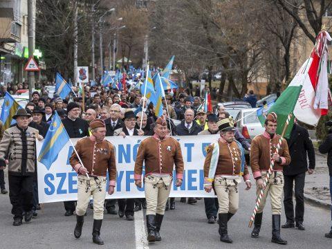 Székelyföld autonómiájáért tüntettek Marosvásárhelyen