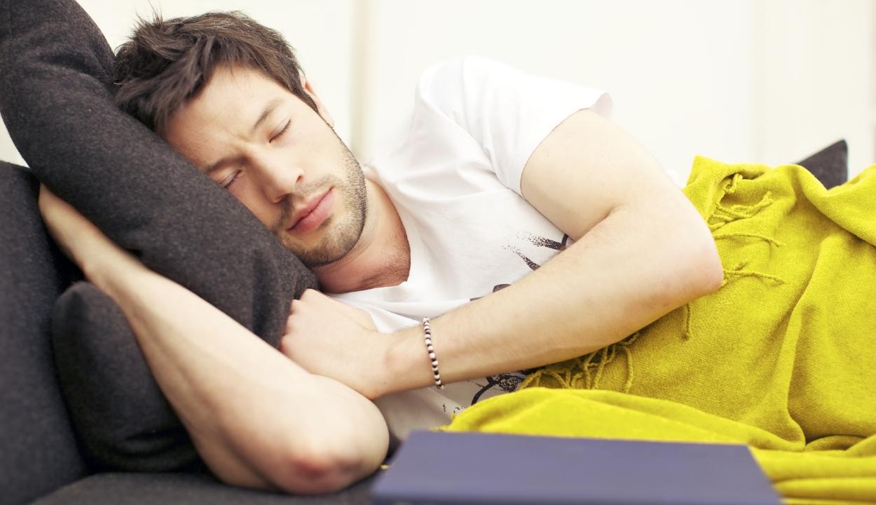 Kordában tartja a vérnyomást a rendszeres délutáni szunyókálás