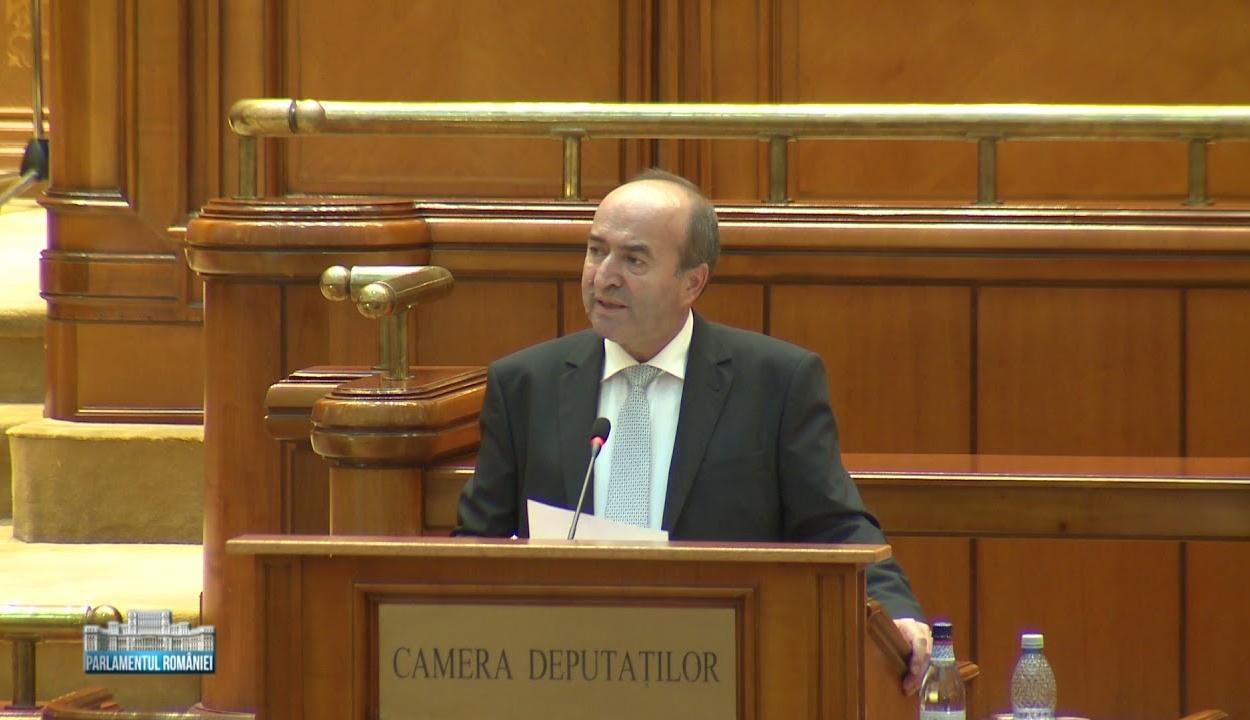 Toader: bizonyos szempontból módosítani kellene az alkotmányt