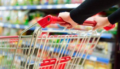 A közélelmezési egységeknek fertőtleníteniük kell a bevásárlókocsikat