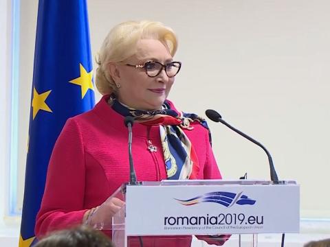 Dăncilă szerint veszélyes, hogy Timmermans a hetes cikkellyel fenyegeti Romániát