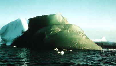 Megoldották az antarktiszi zöld jéghegyek rejtélyét
