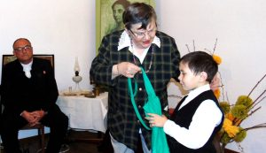 Korodi Mária átnyújtja a Korodi Hajnalka-díjat Göndör Nándornak