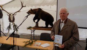 Dr. Deák István A szárnyasvad vadászata és védelme című könyvét mutatta be
