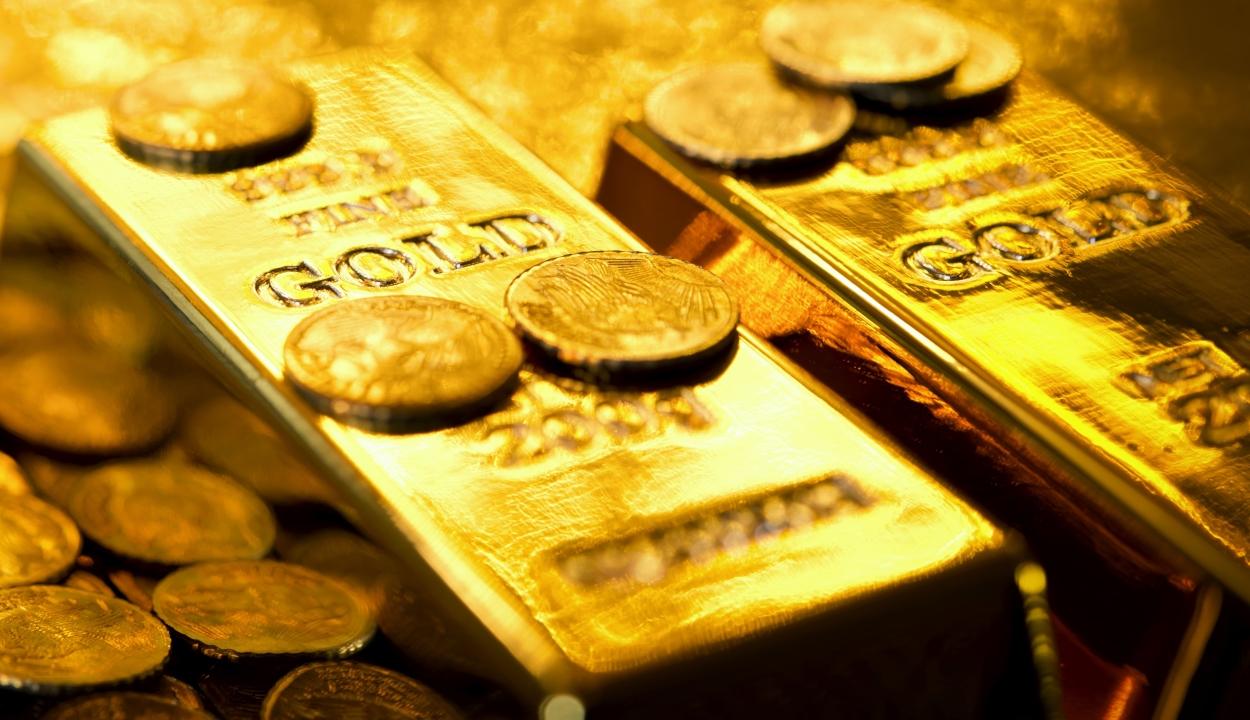 Történelmi csúcsot ért el hétfőn az arany árfolyama, egy gramm ára meghaladta a 260 lejt