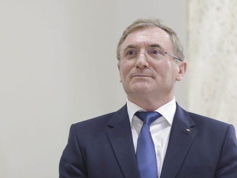 FRISSÍTVE: Augustin Lazăr benyújtotta nyugdíjaztatási kérelmét