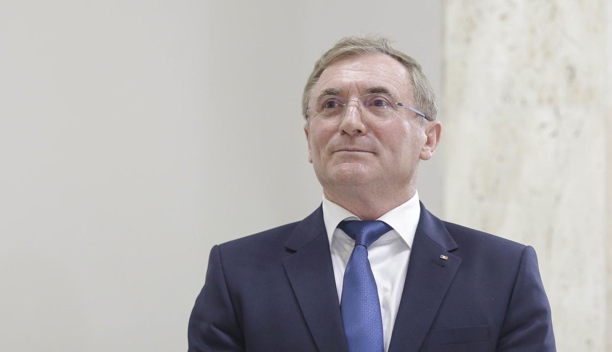Egy lej erkölcsi kártérítést követel Augustin Lazăr az igazságügyi minisztériumtól