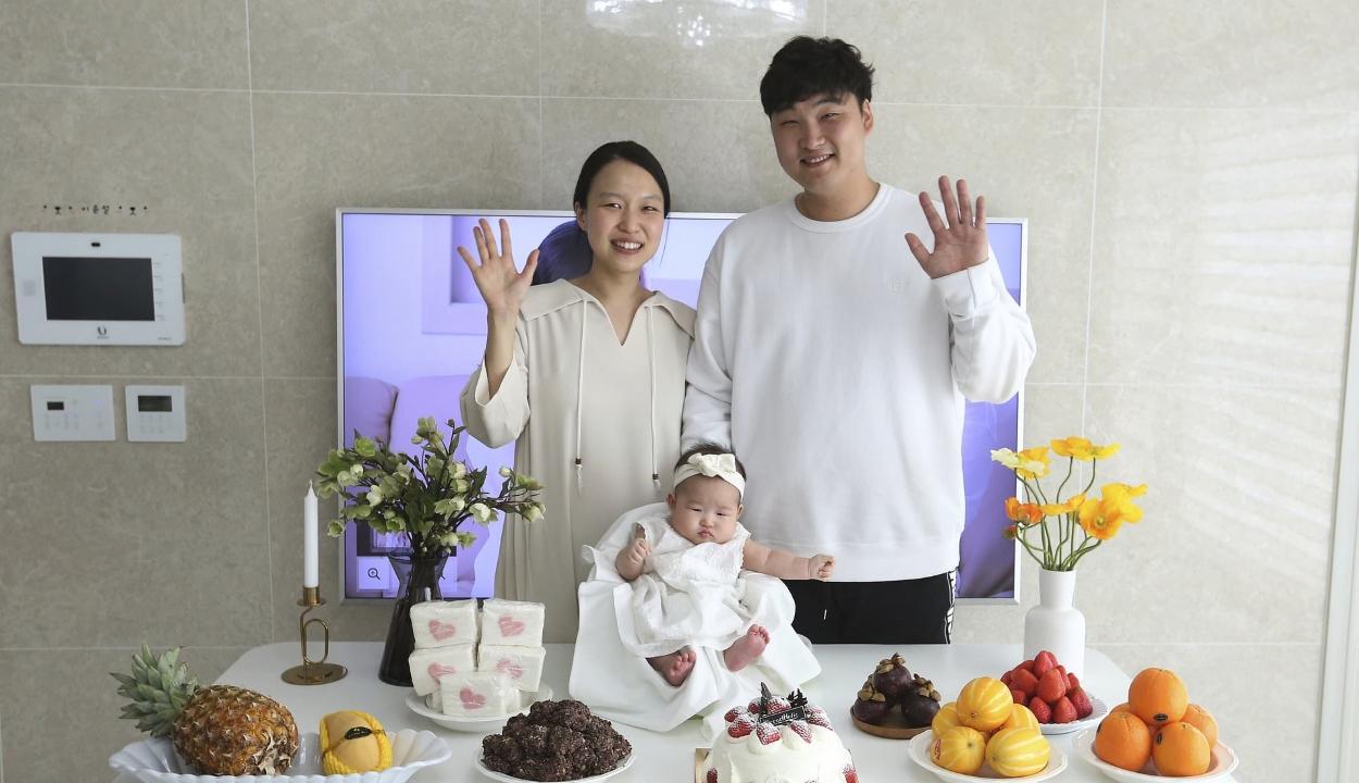 Pár óra alatt akár kétéves is lehet egy újszülött Dél-Koreában